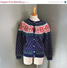 happy halloween sale // Vintage 80s NORTHERN ISLES Nordic Sweater - Snowflakes - Women Small - Navy Cardigan.