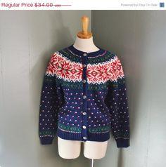 happy halloween sale // Vintage 80s NORTHERN ISLES Nordic Sweater - Snowflakes - Women Small - Navy Cardigan.