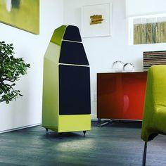 the new Wilson Audio Yvette in bright green @wilsonaudiospeakers #wilsonaudio #stereolife