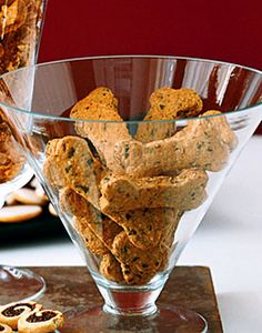DIY dog biscuits, from Gourmet magazine, no less! (Photo by: Gourmet/Yanes,Romulo A) Dog Biscuit Recipes, Dog Treat Recipes, Dog Food Recipes, Healthy Recipes, Appetizer Recipes, Appetizers, Homemade Dog Treats, Healthy Dog Treats, Homemade Gifts
