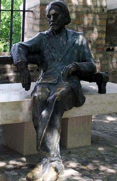 Zoltan Kodaly statue in Buda Castle. The bronze sculpture by Imre Varga's work was made in Bronze Sculpture, Sculpture Art, Capital Of Hungary, Define Art, Buda Castle, Budapest Hungary, Michelangelo, Street Art, Travel