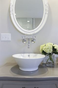 1000 ideas about dresser to vanity on pinterest for I need to use the bathroom in french