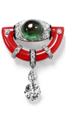 Brooch, special order, New York 1925, made from platinum with a cushion-cut diamond of 3.83 carats, a pear-shaped diamond, a round-cut diamond, a cabochon emerald of 15.12 carats, coral and black lacquer. Custom made using the client's stones. Collection Cartier.