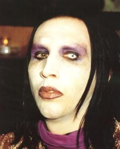 marilyn manson 2002 | Date d'inscription: 28/02/2005