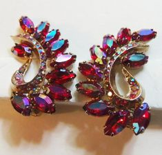 Fabulous Juliana Red AB Rhinetone Earrings Vintage 1950 DeLizza and Elster Rhinestone Earrings Party Jewelry Formal Occasion Jewelry Jewelry Tags, Jewelry Party, Beaded Jewelry, Punk Jewelry, Yoga Jewelry, Hippie Jewelry, Tribal Jewelry, Handmade Jewelry, Rhinestone Earrings