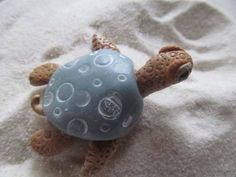 a polymer clay sea turtle handcrafted by Tesa Gammon