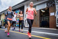 Die 10 besten Lauftipps   Lauftipps für jedermann - Blogpost durchlesen, Laufschuhe schnüren, Kopfhörer rein und los gehts.