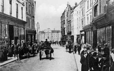 Old Images of Dublin Old Images, Old Pictures, Old Photos, Vintage Photos, Irish Independence, Grafton Street, Ireland Homes, Dublin City, Shopping Street