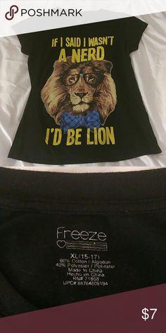 XL Freeze brand lion shirt. XL.  Lady's T-shirt style .  Juniors Freeze Tops Tees - Short Sleeve