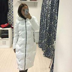 Зимнее пальто #монклер  . 🍓  Цена 4.000руб.  Цвет: белый, черный  .  #теплоепальто .  Длина по спинке 100 см  Размер: 42/44/46/48  .  Мех искусственный, отстёгивается ☝  _  #зимнеепальтомосква #модамодная #online_shop_julia  #одеждамосква #одежданедорогомосква #шикарноеплатье #костюм #спортивныйкостюм #мода #шоуруммосква #шубымосква #меховаяжилетка #пальто2016 #платье #платьспайетками #платьевполмосква #скидки50 #акциинаодежду #стильная #одеждалюкс #качестволюкс