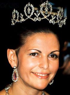 Connaught Diamond Tiara worn by Queen Sylvia of Sweden. Queen Silvia of Sweden; inherited in 1972 by her husband, King Carl XVI Gustaf of Sweden, and given to her on the occasion of their 1976 marriage