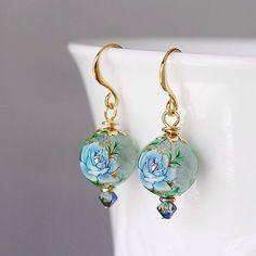 Blue Rose and Gold Swarovski Crystal Tensha Beads by YuniDesigns