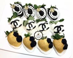 Chanel Party, Chocolate Covered Strawberries, Coco Chanel, Strawberry, Sweet, Instagram, Chocolate Coated Strawberries, Candy, Chocolate Dipped Strawberries