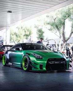 Liberty Walked Nissan GT-R Z_litwhips - Autos Online Nissan Gt R, Nissan Skyline Gt R, Nissan Gtr Skyline, Gtr R35, Nissan Gtr Nismo, New Sports Cars, Sport Cars, Tuning Motor, Car Tuning