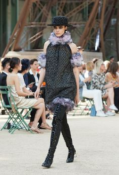 All the Looks From Chanel Couture Fall-Winter 2017 Coco Chanel, Chanel No 5, Chanel Couture, Karl Lagerfeld, Winter 2017, Fall Winter, Tweed, Chanel Official Website, Style Casual