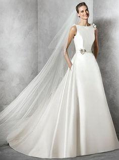 Vestido de noiva Zíper lateral Flores Cauda Médio Cetim