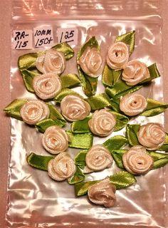 RR-115 $1.25 Cream Ribbon Roses