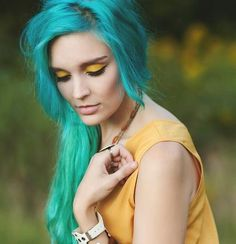 ) just kidding! But it does look cool Bright Blue Hair, Blue Green Hair, Dyed Hair Blue, Teal Hair, Dye My Hair, Teal Green, Ombre Hair, Blue Yellow, Corset