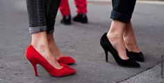 Duas tendências pra valer: Os scarpins de lacinho da Isabel Marant e a calça skinny dobradinha (essas das fotos acho que são também Isabel Marant). Adoro!