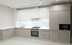 Кухня Татьяна фасады массив дуба шпон ясеня в современном стиле.