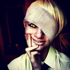 Bill cipher cosplay from gravity falls!< this creeps me the fuck out Gravity Falls Costumes, Gravity Falls Cosplay, Halloween Cosplay, Cosplay Costumes, Homestuck Cosplay, Disney Channel Shows, Trust No One, Bill Cipher, Billdip