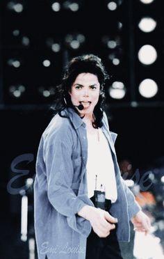 Aquí está nuestro precioso Sr. Jackson,con esa carita tan preciosa :-) y ese talento que Dios le dio   ❤❤❤❤
