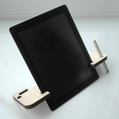 Tablet stand.Wooden iPad Stand laser cut in cypress thinning of Japan