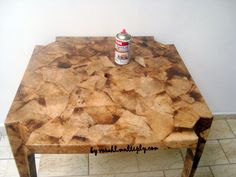 A mesa da Aracy - Reciclagem com filtro de papel usado.