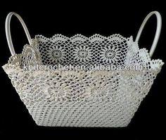 This Pin was discovered by Küb Crochet Bowl, Crochet Basket Pattern, Knit Basket, Crochet Art, Crochet Gifts, Crochet Motif, Crochet Doilies, Hand Crochet, Crochet Patterns
