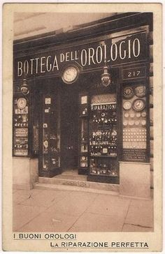 Roma Sparita - Via Cavour - Bottega dell'Orologio Antique Photos, Vintage Photographs, Vintage Photos, Old Pictures, Old Photos, Rome Streets, All About Italy, Or Noir, Restaurant Marketing