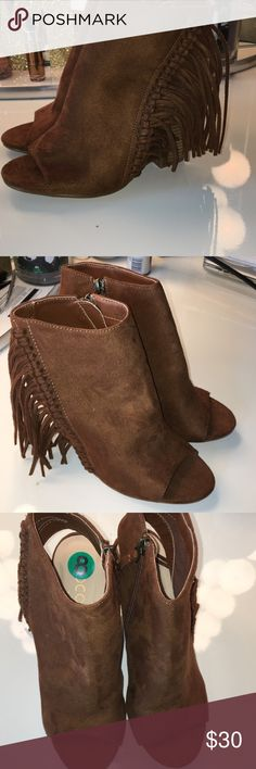 Coconuts by Matisse booties Size 8, never worn! Suede! Matisse Shoes Ankle Boots & Booties