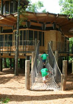 ˚Treehouse-climbing - Camp Twin Lakes