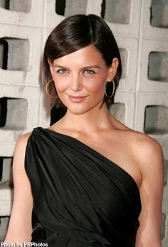 Another cute short hairstyle that Katie sported.  Hmmm, maybe I just wish I looked like Katie Holmes...