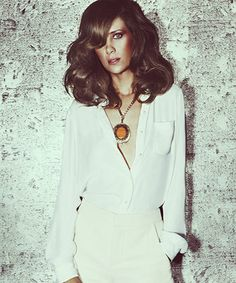 kristen wiig for the guardian.. undercover bombshell
