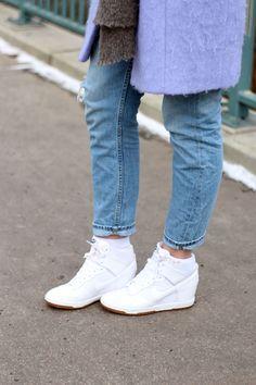 new style 7cf95 4a058 Nike Sky High Outfit    For more inspiration visit samieze.com fashion blog  Nike