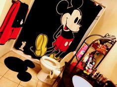 Mickey Mouse bathroom, love the ears rug Mickey Mouse Bathroom, Mickey Mouse House, Mickey Mouse Clubhouse, Mickey Minnie Mouse, Mini Mouse, Casa Disney, Disney Dream, Disney Style, Deco Disney