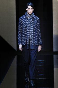 See the complete Giorgio Armani Fall 2017 Menswear collection.