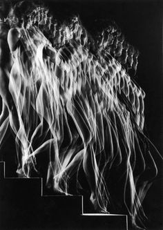 Albanian self-taught photographer Gjon Mili (1904-1984)  arrived in USA in 1923. Trained as an engineer in the mid 1930's Gjon Mili, worked with Harold Eugene Edgerton from Massachusetts Institute of Technology (MIT), pioneered photoflash photography, using stroboscopic light to capture motion in a single exposure.