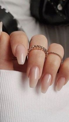 Trendige Designs für Ballerina-Nägel – Diy Ballerina Nails, You can collect images you discovered organize them, add your own ideas to your collections and share with other people. Classy Nails, Stylish Nails, Trendy Nails, Cute Nails, My Nails, Simple Nails, Fall Acrylic Nails, Acrylic Nail Designs, Fall Nails