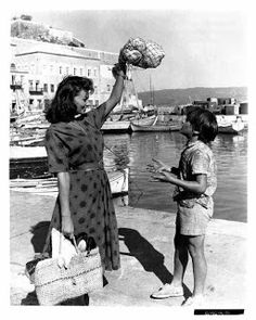 "Sophia Loren in Hydra, while shooting ""Boy on a Dolphin"" (1957) http://www.house2book.com"