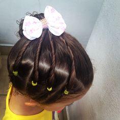 Pentado diferente, feito na lateral da cabeça, super fácil  e lindo #Penteado #Penteadoinfantil #peinado #peinadoninas #hairstyle #toddlerhairstyle #penteadolateral