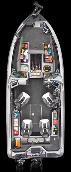 Image from http://www.rangerboats.com/images/2015/floorplan/floorplan_621VS.jpg.