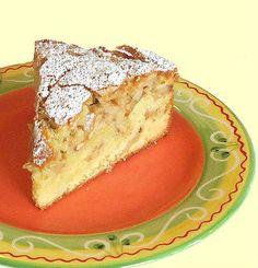 One Perfect Bite: Tuscan Apple Cake - Torta di Mele Italian Desserts, Apple Desserts, Apple Recipes, Just Desserts, Delicious Desserts, Cake Recipes, Dessert Recipes, Yummy Food, Apple Cakes