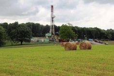 Researchers from Yale tested well water near natural gas sites for methane and fracking fluids and found there was no contamination to water aquifers.  http://naturalgasnow.org/fracking-doesnt-contaminate-water-aquifers/