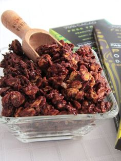 No Bake Superfood Chocolate Crunch with Milky Maca Berry, Cinnamon SuperSeed, and Java Jolt Variations (Vegan, Gluten-Free, Top Allergen-Free) - Uses my quick toasted oats method for a super-fast snack! #dairyfree