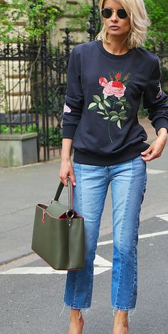 Blondwalk by Gitta Banko .Editor, Fashion & Lifestyle blogger based in Düsseldorf / Germany. For inquiries contact: contact@blondwalk.com