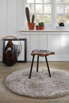 Dit Cosy rond ESP-0400-70 tapijt wordt designed in Europa door ESPRIT. Koop online of in onze winkel te Willebroek, met GRATIS verzending en retourgarantie.