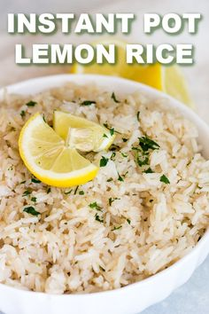 Instant Pot Lemon Rice Pilaf We're using our Instant Pot to make a quick and delicious side that your whole family will love. Instant Pot Lemon Rice Pilaf is done in 20 minutes! Greek Rice Pilaf, Greek Lemon Rice Soup, Greek Lemon Chicken, Steak Fajitas, Instant Pot Pressure Cooker, Pressure Cooker Recipes, Pressure Cooking, Seasoned Rice Recipes, Quick Rice Recipes