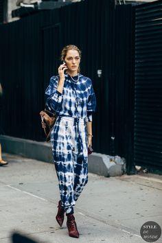 Sofia Sanchez de Betak between the style exhibits. The submit New York SS 2020 Street Style: Sofia Sanchez de Betak appeared first on STYLE DU MONDE Spring Street Style, Street Chic, Spring Summer Fashion, Paris Street, New York Fashion Week Street Style, Lookbook, Street Style Looks, Swagg, Fashion Photo