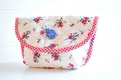 Annie Pouch by PamKittyMorning, via Flickr